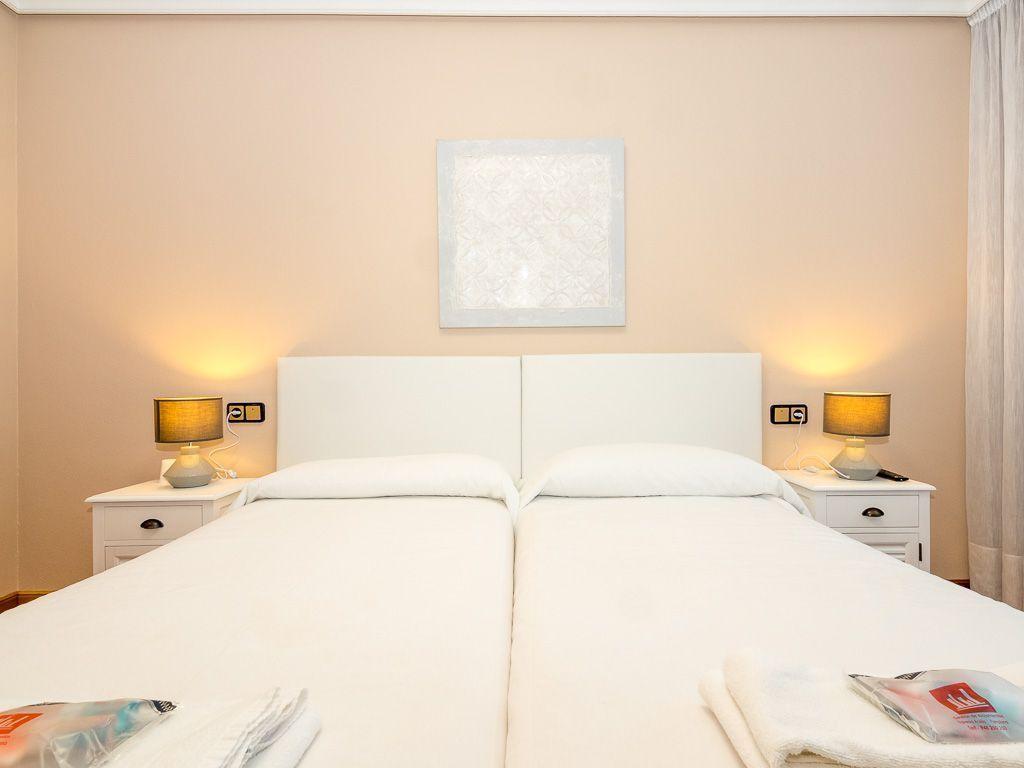 accommodation hostels Pamplona spain